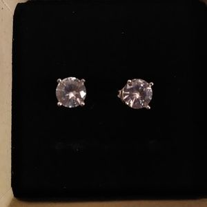 Brilliant VVS1 2CTW Solitare Round Stud earrings.